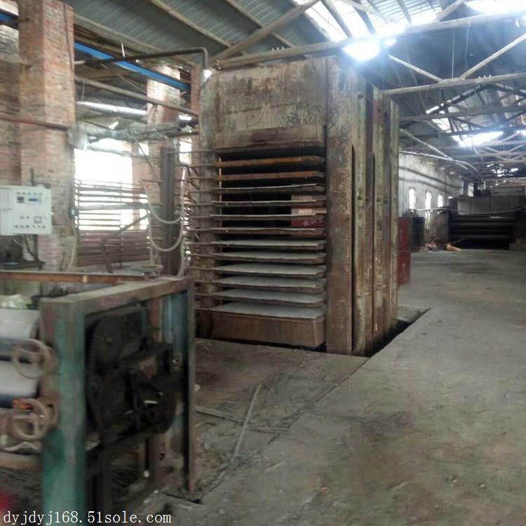 江西三机厂产4*8尺1200T十二层二手热压机图片