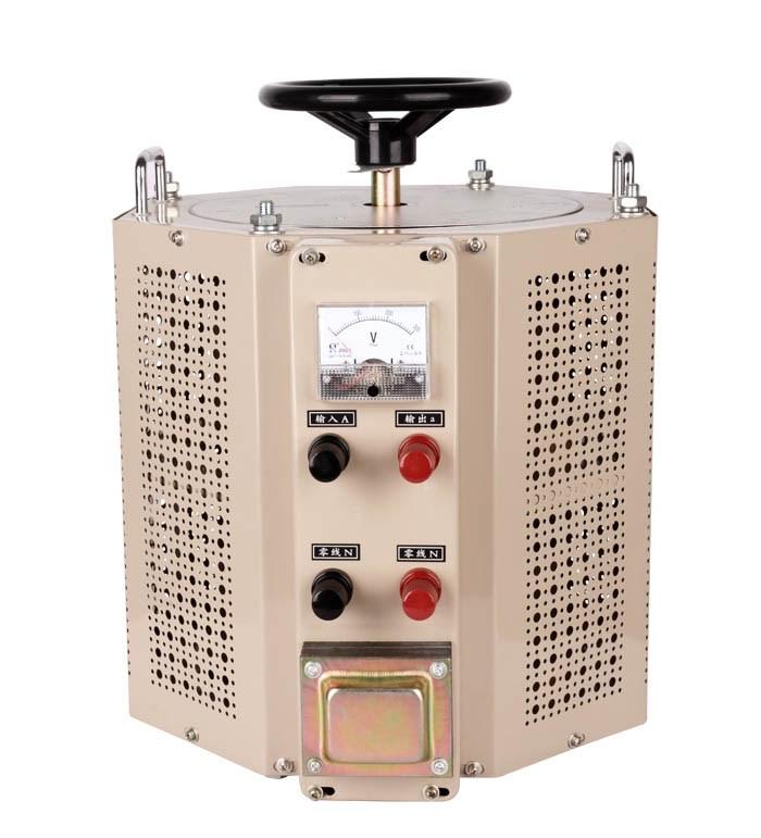 稳压器是由三个控制电路,三套电机传动机构和三套调压器(补偿式有补偿