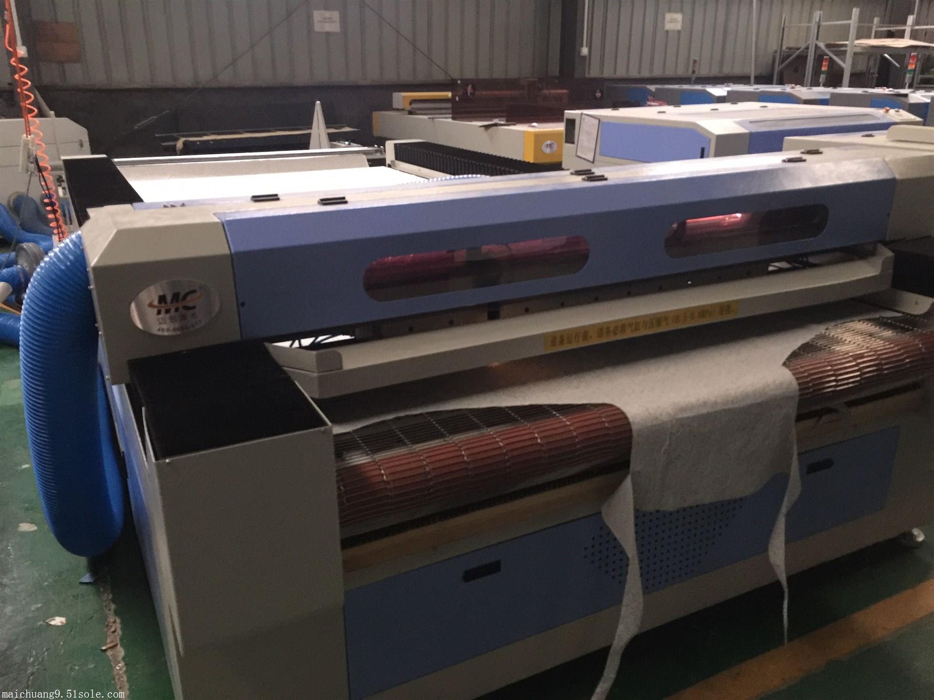 MC1630完美激光切割机 激光裁布机能把布料自动纠偏异形裁片改版