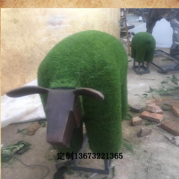 铸铜小羊肖恩草皮羊公园小区动物雕塑