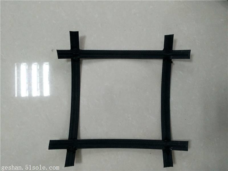 连接点极限分离力500N双向凸结点钢塑土工格栅生产厂家