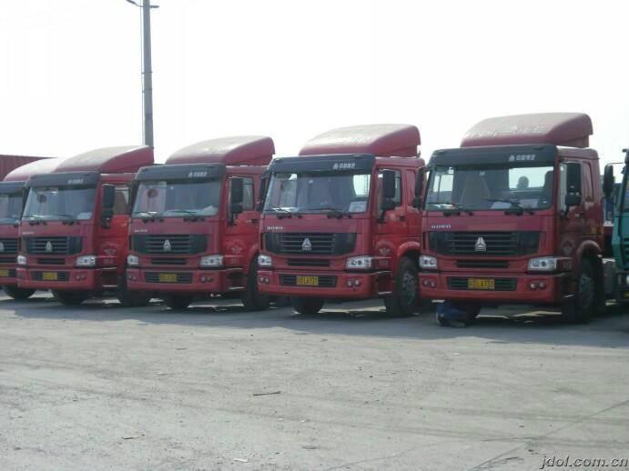 河北省沧州市河间市红瑞货运物流配货公司在沧州河间经营货运物流配货业务及货运信息多年,拥有多名经验丰富的货运物流配货团队和货运物流配货车辆多部,热线电话 .我公司自2002年开业以来不断发展,在公司经理的带领下和全体员工的共同努力下,公司形象得到超前的提升,公司业务正不断扩张发展,服务范围和地区不断扩大,受惠的客户遍及沧州市河间市及周边地区。我公司专业工作人员遵循信誉至上,客户至上的服务宗旨。多年来得到河间市及周边县市客户和企业的坚定支持,始终选择我们沧州河间市专业的货运物流配货公司作为其货运物流配货的选