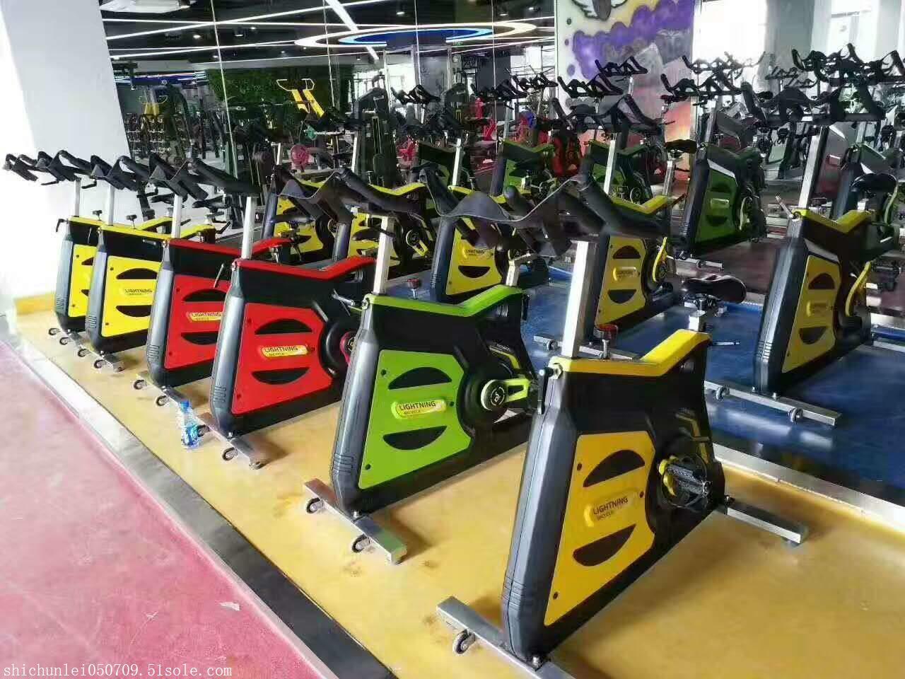 奥信德AXD-S700动感单车商用健身车