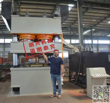 门板压花机厂家  三梁八柱式液压机