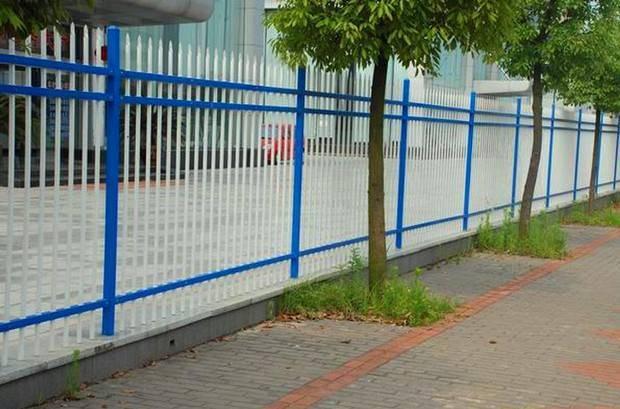 巴彦淖尔pvc草坪围栏pvc草坪围栏生产厂家