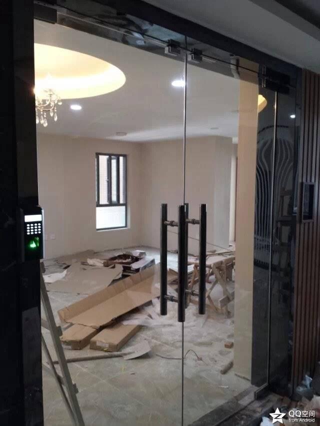 深圳玻璃门快速上门维修服务