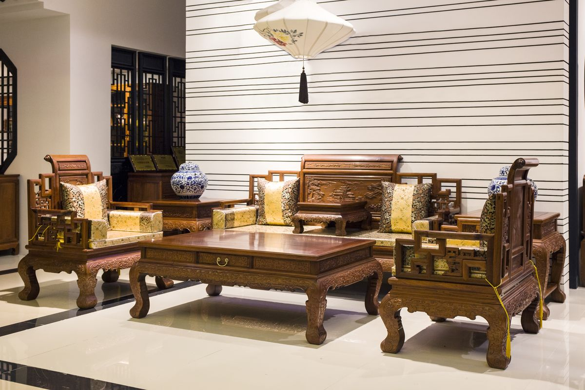 首页 家具 客厅家具 沙发 >百福红木沙发 纯红木打造 质量上乘有保障