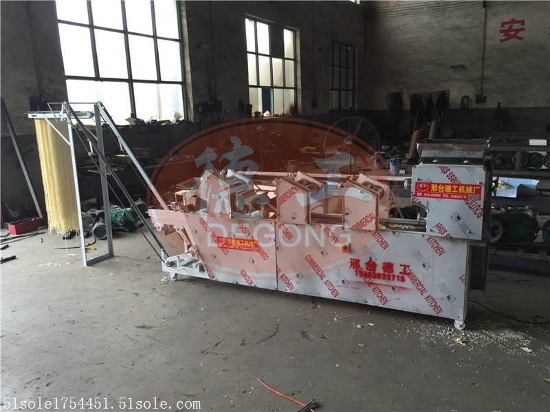 烏魯木齊大型商用自動疊皮掛面機廠家市場報價