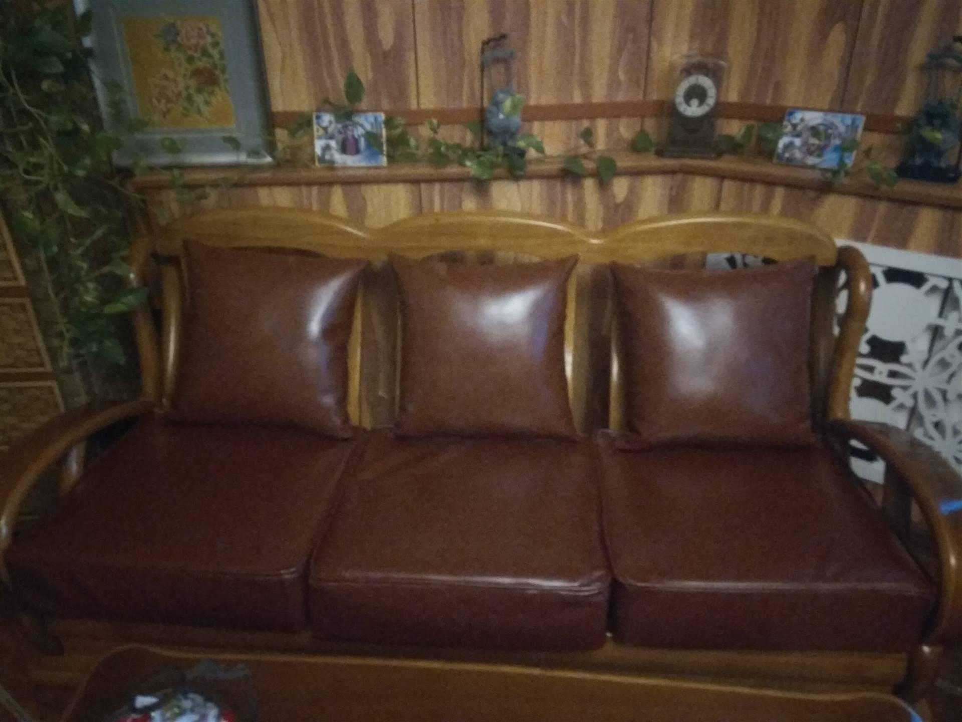 天津南开广开路沙发换面 办公沙发椅子维修 饭店卡座沙发换面