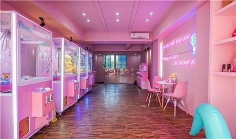 粉红色娃娃机店策划娃娃机开店策划一站式服务