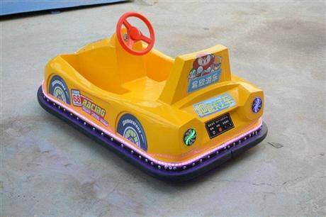 F1广场碰碰车儿童漂移车游乐园童车