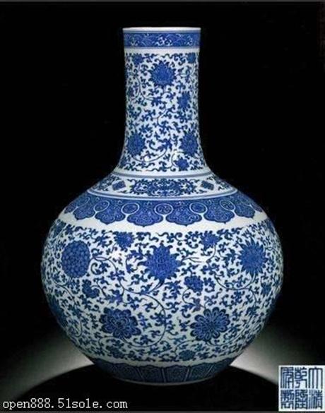 乾隆年制的青花瓷器能卖多少钱