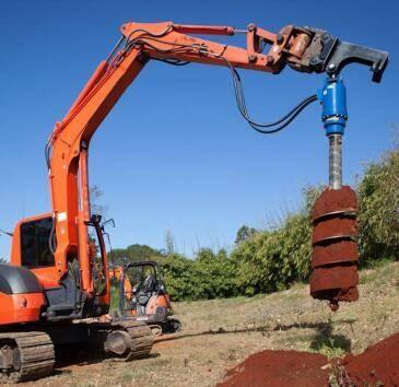 工程挖掘机旋挖钻坑机,大小型钩机改装钻电杆光伏桩打洞机