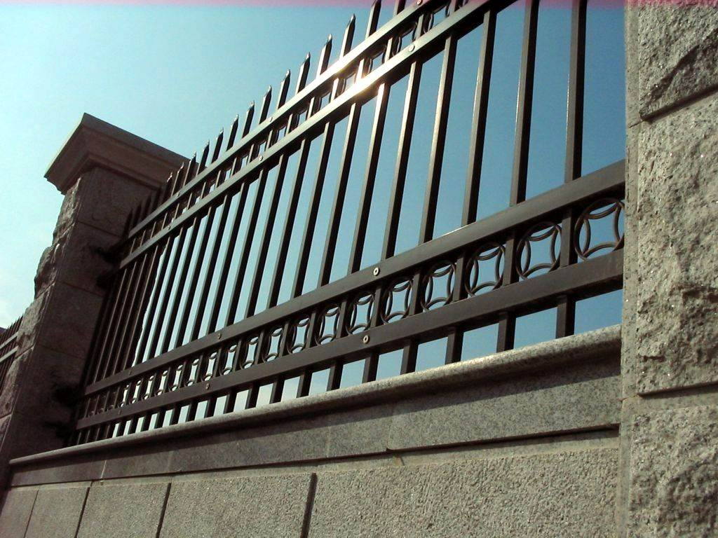 供應惠州小區別墅防護欄桿廠區圍墻護欄