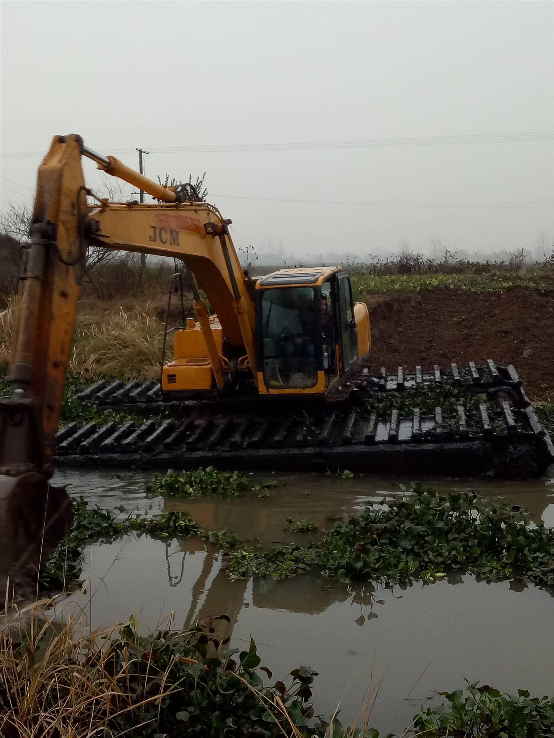 山东水陆挖掘机出租,水上挖掘机租赁