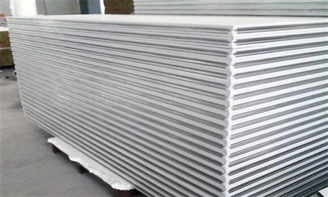 岩棉彩钢板供应商及岩棉彩钢板特点