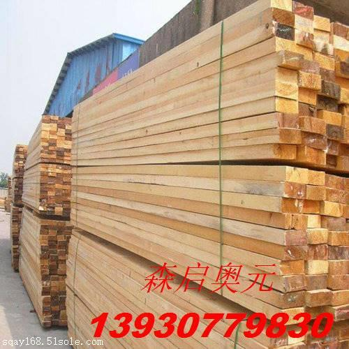 室内篮球场运动木地板 价格受木材的材质和 龙骨的影响