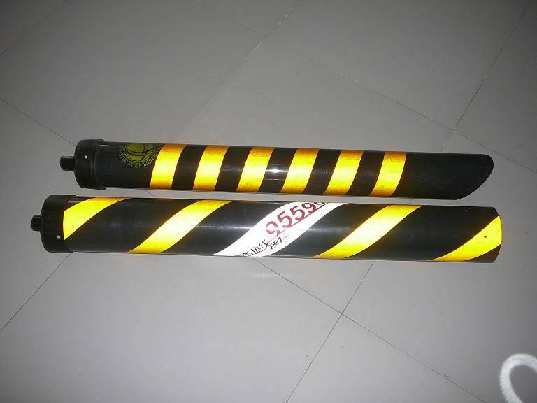 定做电杆斜拉线保护套 红白相间反光拉线护套 简介 图片