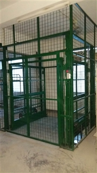 液壓升降貨梯平臺生產廠家-升降貨梯訂做-導軌式液壓升降貨梯