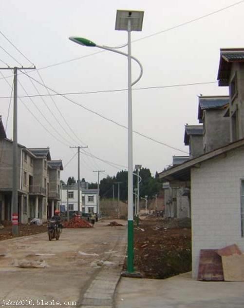 太阳能路灯哪里卖 太阳能路灯厂家批发 农村常规太阳能路灯