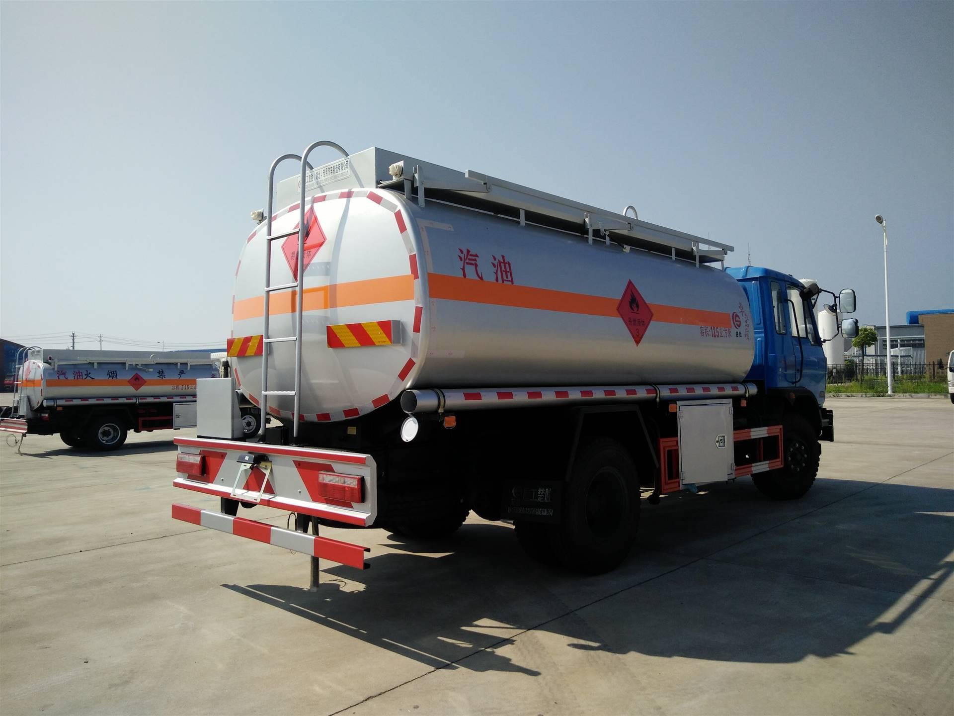 出售3吨 5吨 8吨10吨加油车 油罐车 小型流动加油车