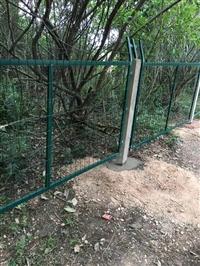 供应西藏铁路护栏网 拉萨铁路护栏网厂家批发