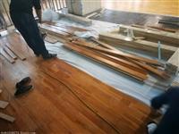 篮球场木地板的面板更主要是采用枫木和柞木