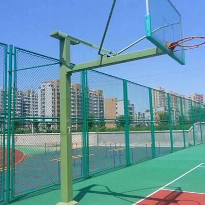 国帆体育场围网现场安装 球场护栏网规格齐