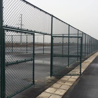 国帆体育场勾花围栏网厂家备有各种规格