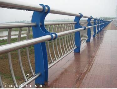 河南新乡道路防撞护栏安装
