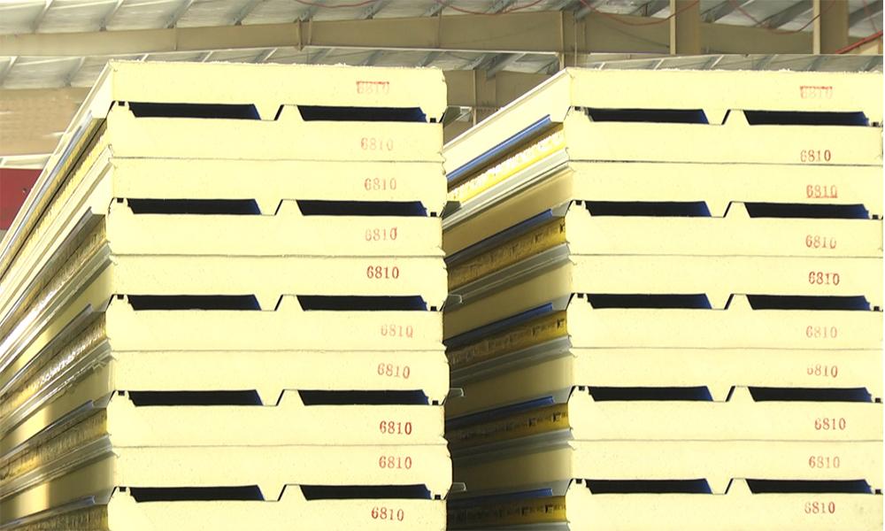 聚氨酯封边岩棉夹芯板价格 50mm聚氨酯封边岩棉夹芯板多少钱