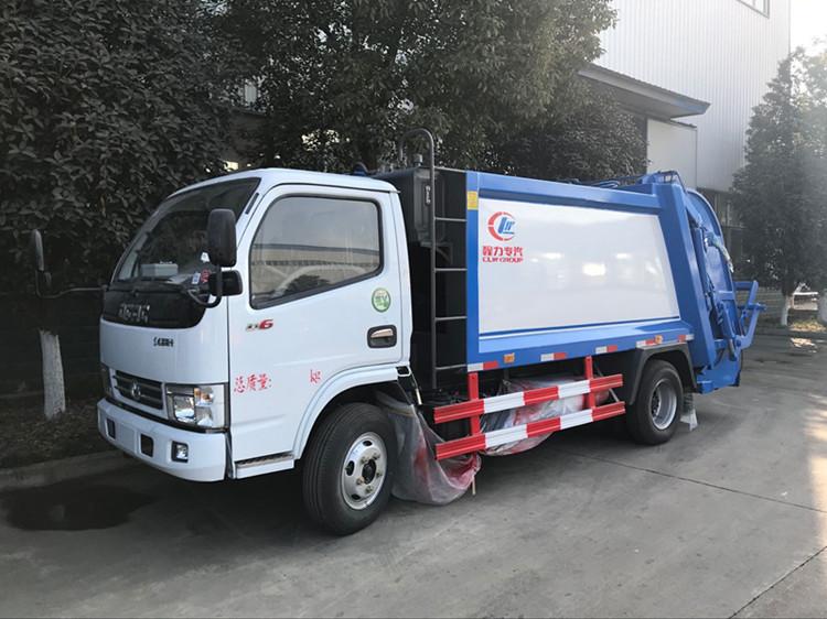 东风小多利卡5立方压缩垃圾车
