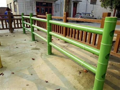 1.5米混泥土仿木护栏厂家艺高景观