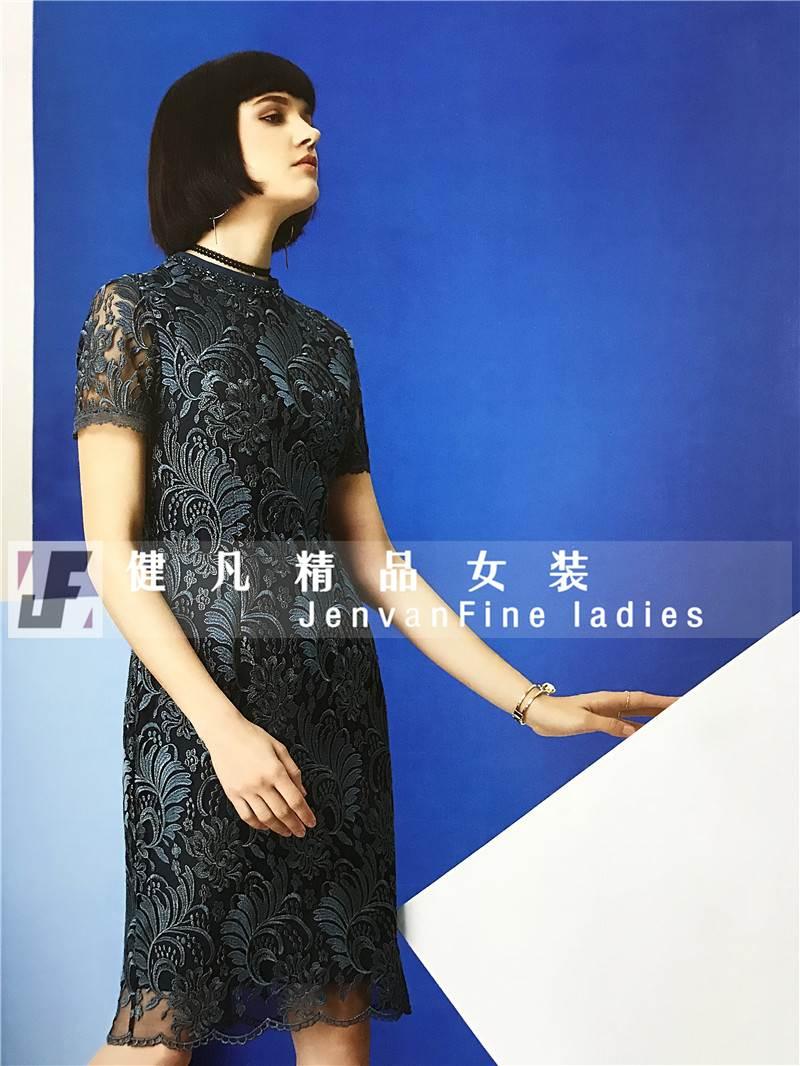 一线品牌库存尾单连衣裙|春夏女装货源|折扣女装批发市场
