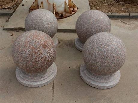 产地货源直供五莲红石材    自有矿山开采设备齐全