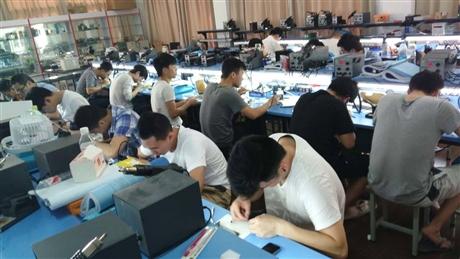 云南专业手机维修中心,昆明蓝腾培训苹果手机修理