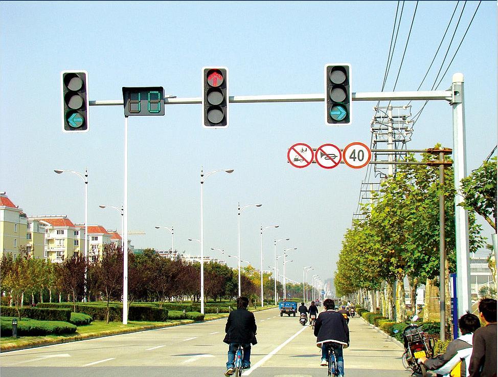 交通电子警察杆,八角监控杆,八角信号杆厂家促销批发,保质保量