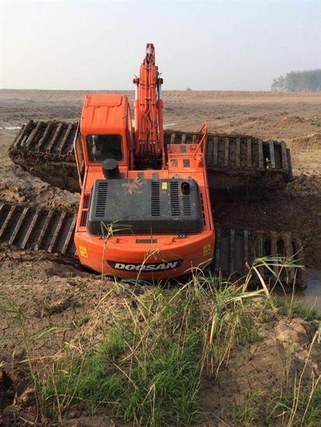 水陆两用挖掘机租赁,水路挖掘机出租,挖掘机施工安全操作规程