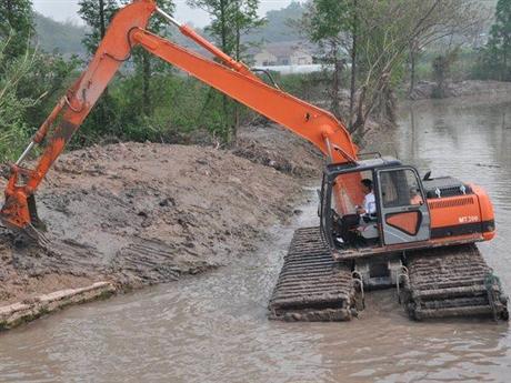 水陆两用挖掘机租赁公司,河道清於治理前期工作准备