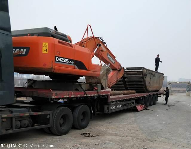 洪湖租挖机的哪个技术强些/水路挖掘机出租价格