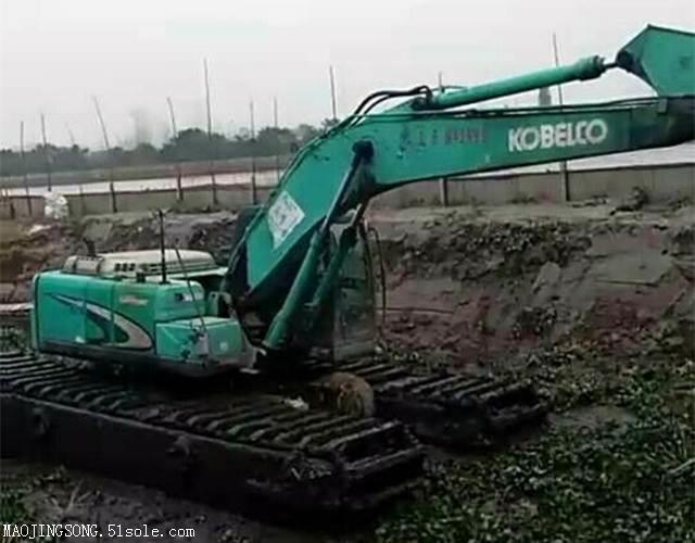 水陆两用挖掘机浮箱