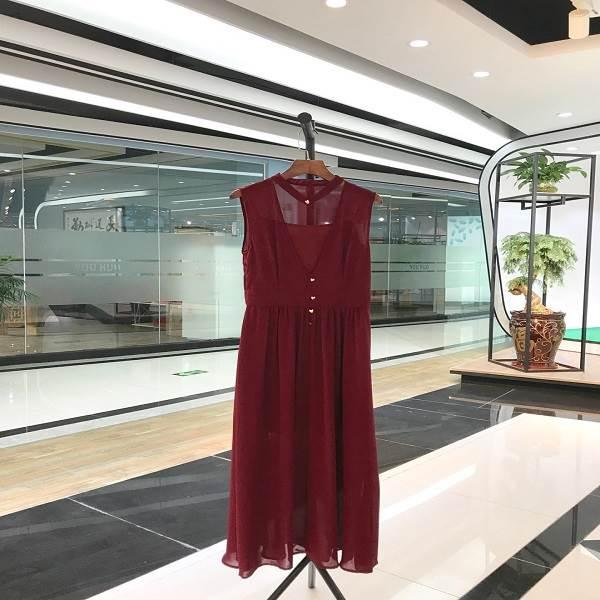 杭州精品依目了然 时尚亮丽品牌折扣女装
