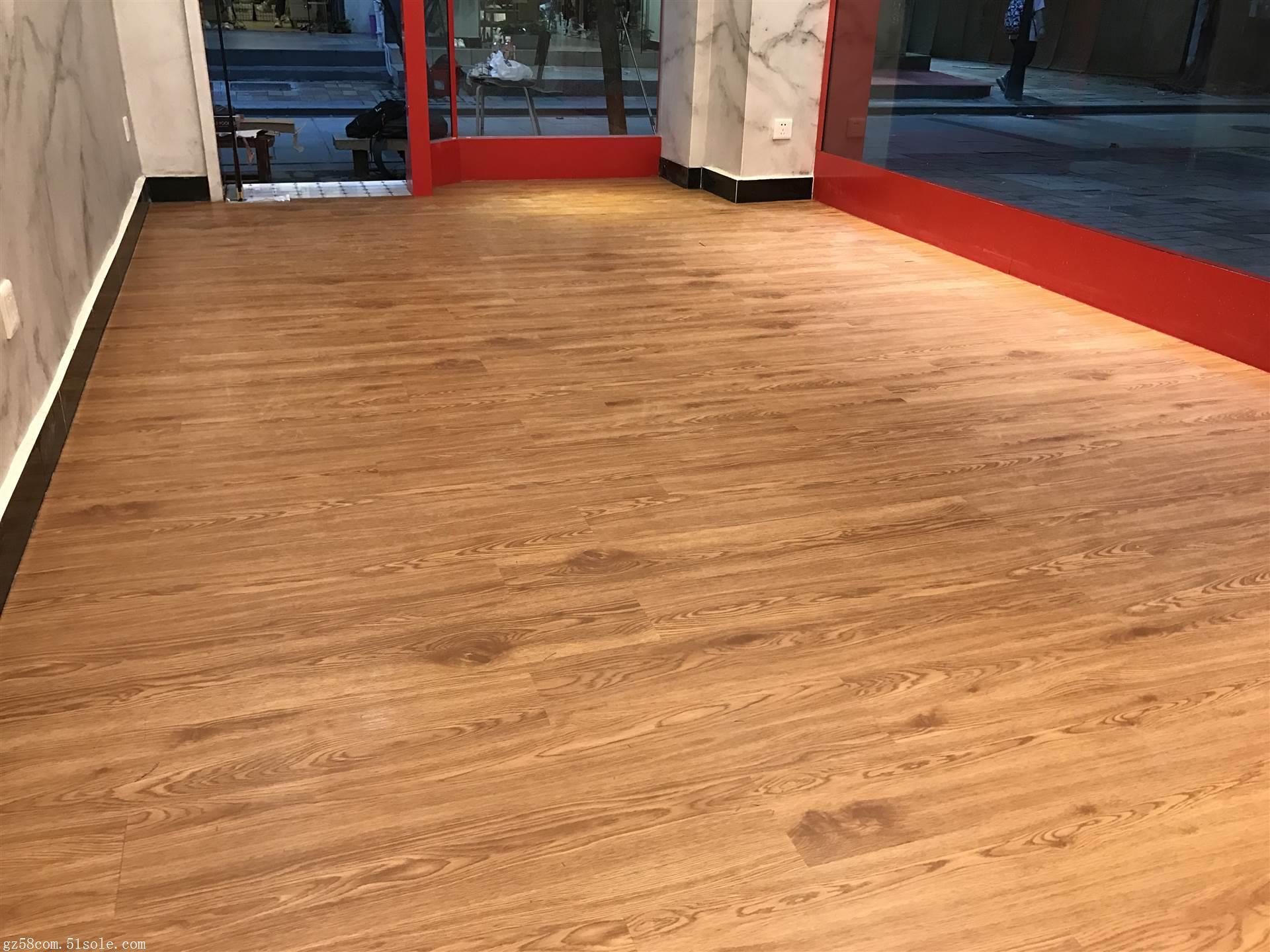 篮球场弹性pvc塑胶运动地板 球场专用防滑耐磨地板