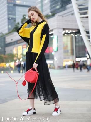 韩版女式休闲套装 品牌库存折扣女装尾货 中高档服装货源批发