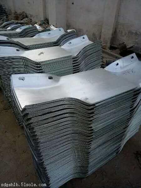 驻马店生产安装厂家 厂家直销  三波护栏板价格规格