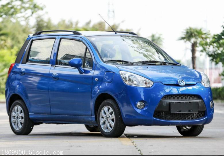 新能源电动汽车 海马爱上电动家用轿车