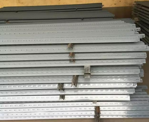 厂家直销冲孔角钢出口马来西亚万能冲孔角钢