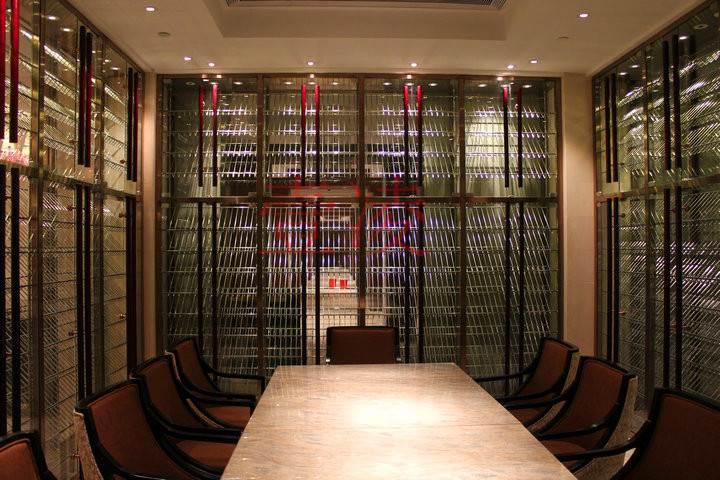 专业设计定制酒展示架柜新款不锈钢酒架陈列时尚酒架红酒架