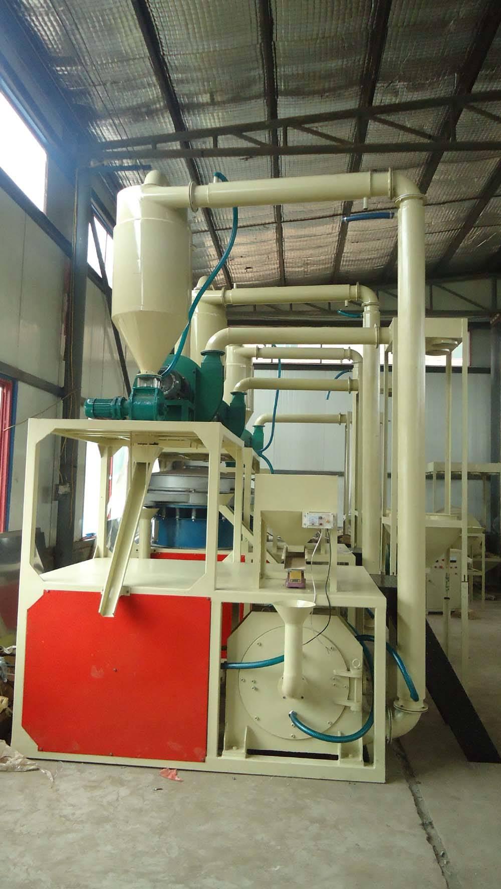 河南厂家生产PE塑料磨粉机   保定佳润机械