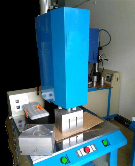五金压铸水口震落机包括锌合金压铸水口去除机及镁合金压铸水口剪